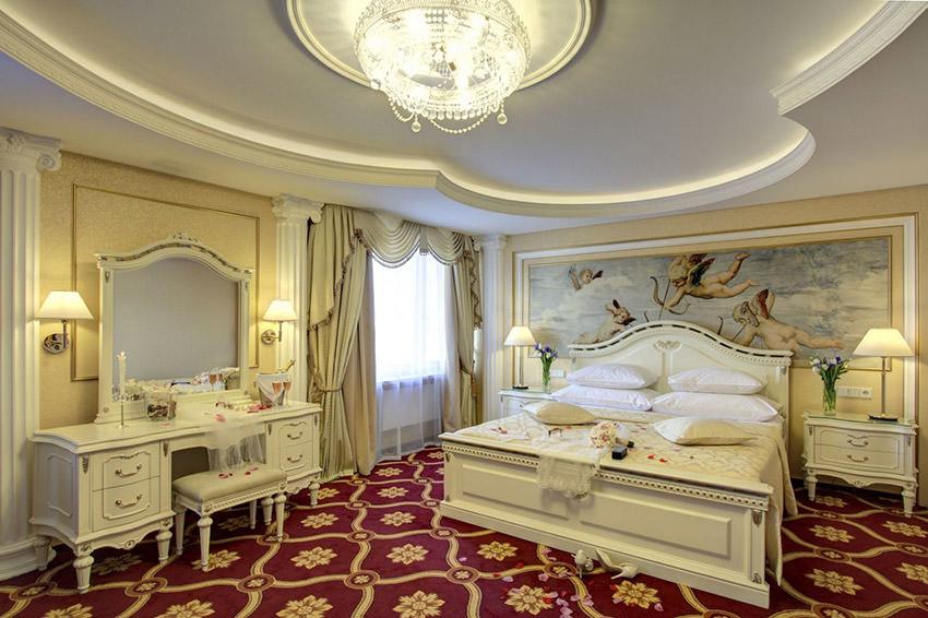 Джуниор Сюит Классик клубный в отеле Измайлово Альфа в Москве