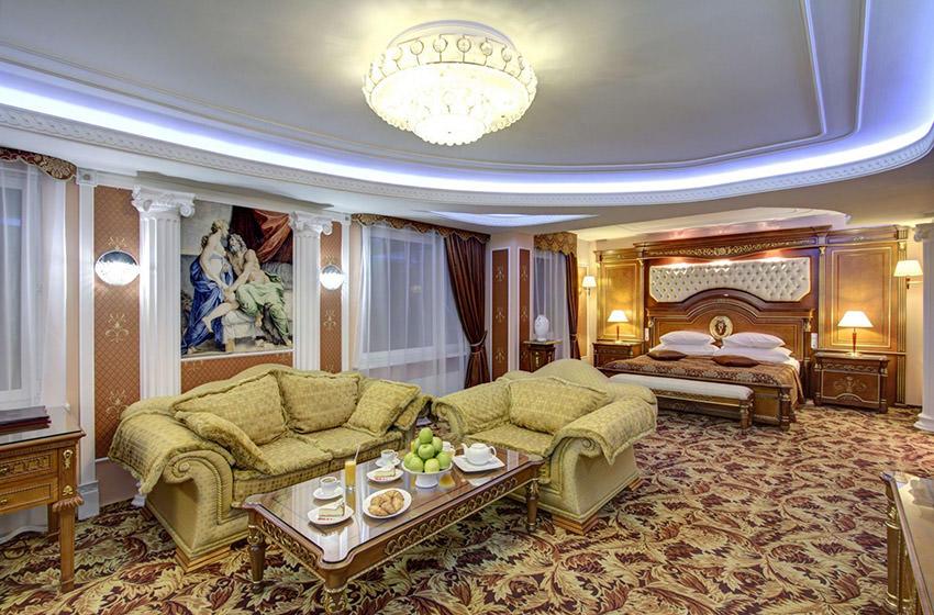 Джуниор Сюит Престиж клубный номер в отеле Измайлово Альфа в Москве