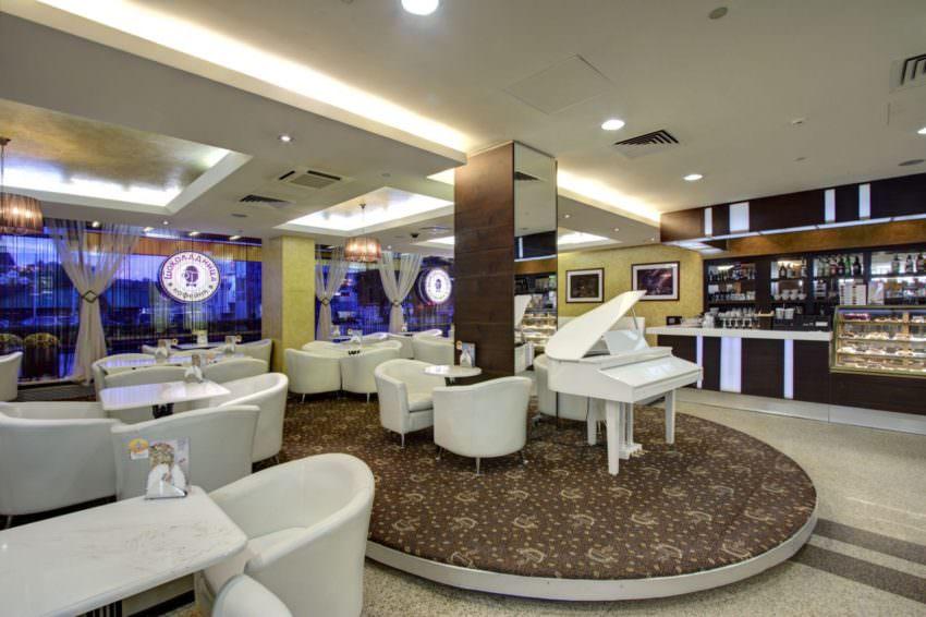 Кафе Шоколадница в гостинице Альфа Измайлово в Москве