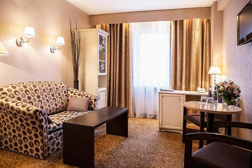 Фото и цена номера Люкс комфорт в гостинице Бета Измайлово в Москве