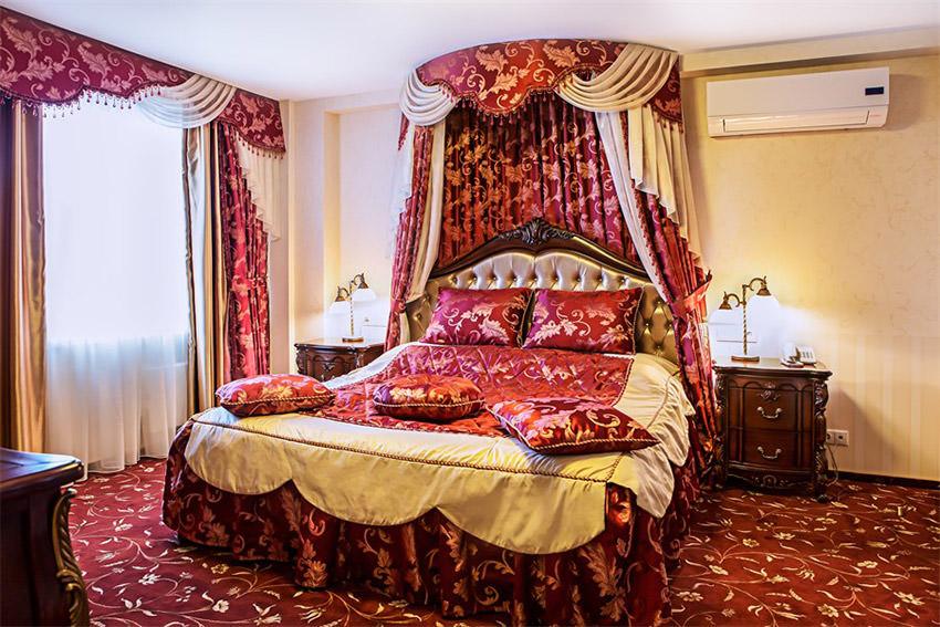 Номер Люкс Премьер в гостинице Бета в Измайлово в Москве