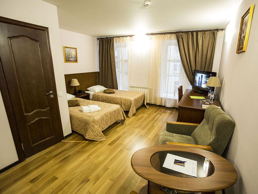 Мы с мужем отдыхали в санкт-петербурге в отеле самсонов на лиговском проспекте 48